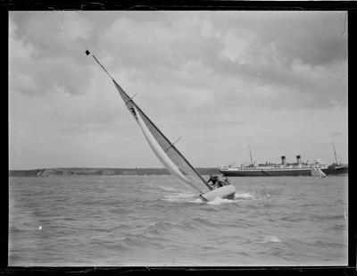Glass Plate: B18 RAMBLER and USSCO MONOWAI at sea
