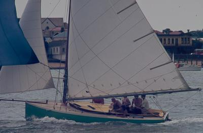 Slide: L-Class Mullet Boat competing in the 1977 Lipton Cup race