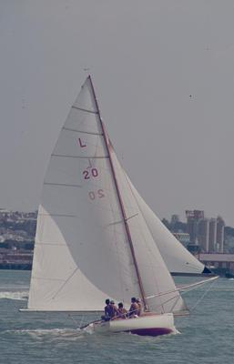Slide: KARROS competing in the 1977 Lipton Cup race