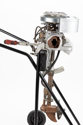 Outboard motor: Evinrude Twin, 3 hp